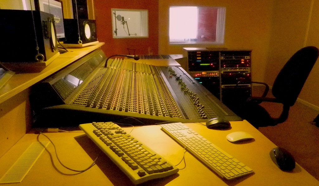 with Amek 52-Channel-inline-Console